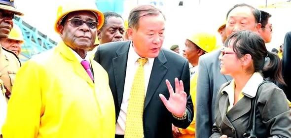 Mugabe-with-Chinese-at-Marange-590 (1)