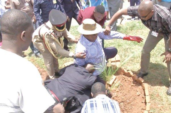 Malawi President  'Peter Mutharika', Falls  Outside Kamuzu Palace In Lilongwe'